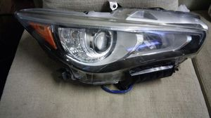 Infiniti parts q50 passenger right headlight for Sale in Miami, FL