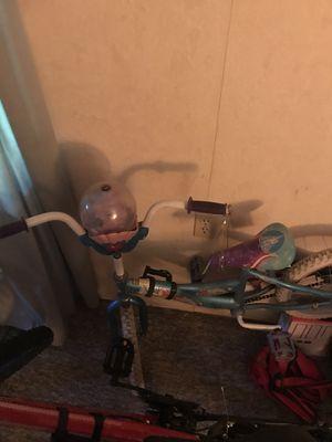 Ariel girls bike 14-16 inch for Sale in McKeesport, PA