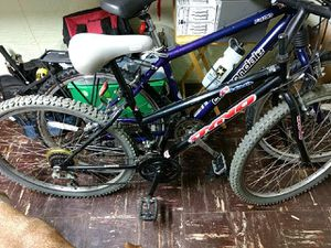 Dyno mountain bike. 379 new older model but in great shape for Sale in St. Louis, MO