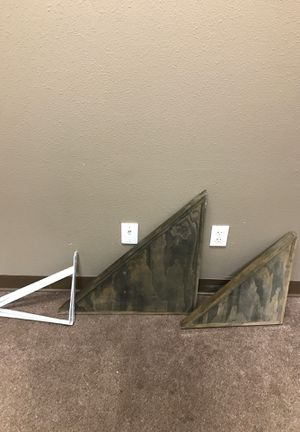 Corner wall shelves for Sale in San Marcos, CA