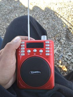 Selling Radio And UsB Chip And Bluetooth brand new comes with box Charger And Headset For 30$ hmu if you interested for Sale in Palmdale,  CA