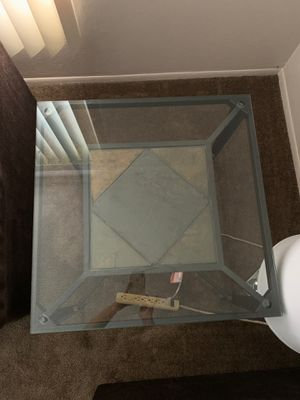 Glass side table for Sale in Garden Grove, CA
