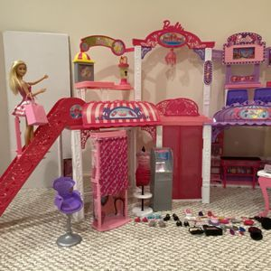 Barbie Malibu Ave Mall- 2 Levels for Sale in Naperville, IL