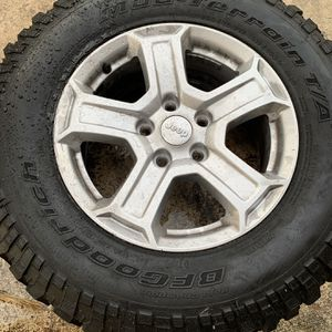 Jeep Wranger OEM Wheels and Tires for Sale in Miami, FL