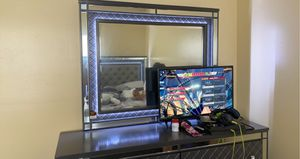Brand new bedroom set with led lights for Sale in Flamingo, FL