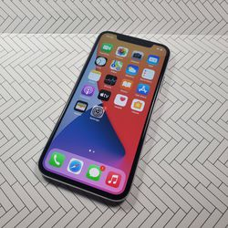 Iphone X 256gb Unlocked White for Sale in Kent,  WA