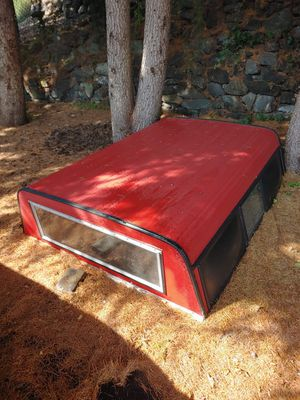 ALUMINUM CAMPER SHELL (RED) for Sale in Gig Harbor, WA