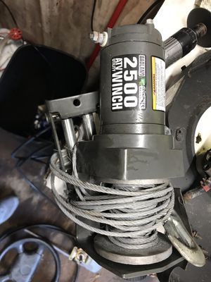 2500 winch for Sale in East Providence, RI