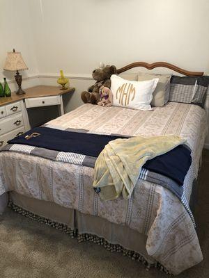 4 Piece Queen Bedroom Set for Sale in Kennesaw, GA