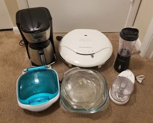 Kitchen items set for Sale in Tampa, FL