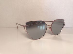 High fashion sunglasses for Sale in Cahokia, IL