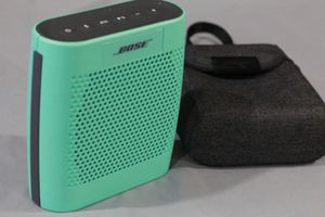 BOSE SOUNDLINK COLOR for Sale in Queens, NY
