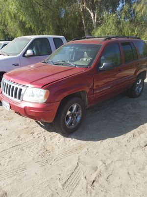 Parting out 2004 Jeep Grand Cherokee Limited for Sale in San Jacinto, CA