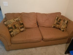 Single couch for Sale in Ruskin, FL