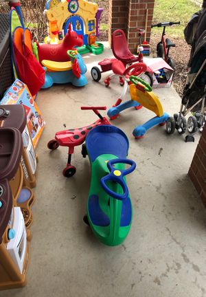 These items plus double bob stroller and single bob stroller. Other stroller is 400$ uppsbaby stroller. Must go today. Summerset at frick park. for Sale in Homestead, PA