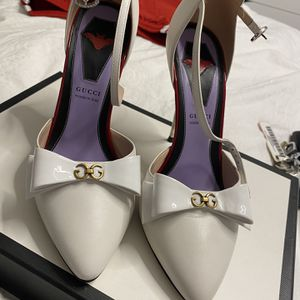 Gucci White Leather Spike Stiletto Heels It Pumps for Sale in Des Plaines, IL