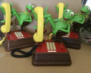 VINTAGE DISNEY-S-KERMIT-THE-FROG-Telephone-Jim-Henson-Touchtone-1983-MUPPETS for Sale in Scottsdale, AZ
