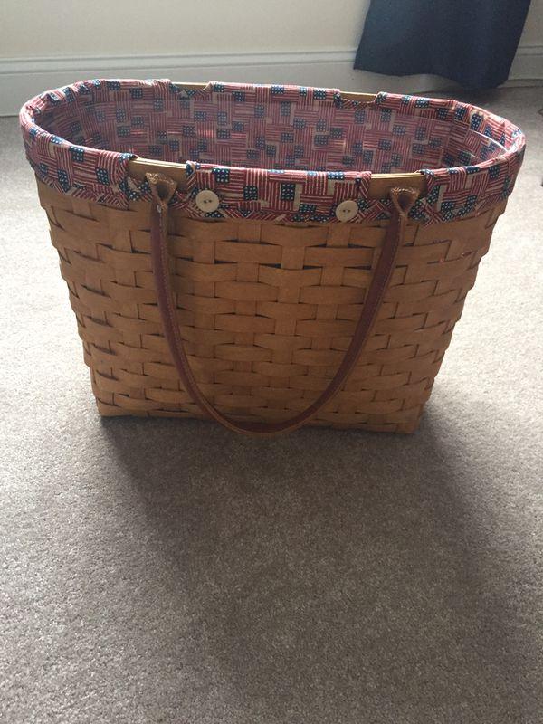 Longaberger large carry basket