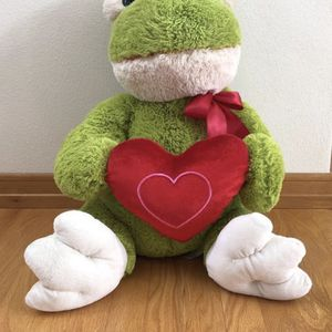 20 inch very soft plush frog for Sale in Appleton, WI