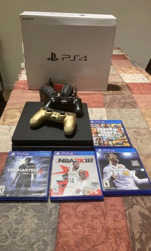 PS4, 2 controllers, headphones and games for Sale in SUNNY ISL BCH, FL