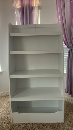 White bookcase for Sale in Richmond, TX