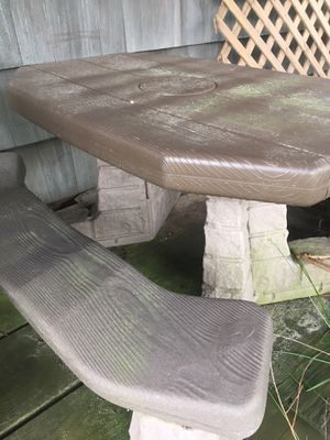Little Tykes kids picnic table for Sale in Toms River, NJ