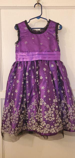 Purple dress with sparkle flowers size 6 for Sale in San Bernardino, CA
