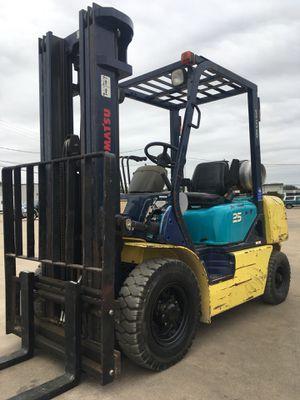 Forklift komatsu 5000 lbs for Sale in Dallas, TX