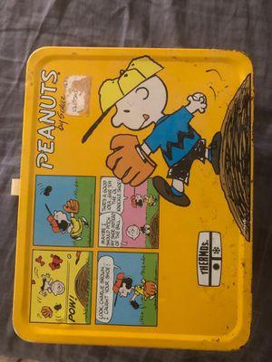 Vintage Charlie Brown Peanuts metal lunchbox for Sale in Alexandria, VA