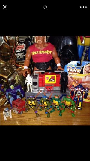 I'm looking to buy vintage action figures for Sale in Fresno, CA