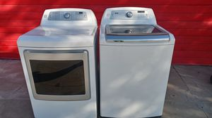 Kenmore Elite top load washer and gas dryer for Sale in Fresno, CA