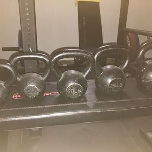 Marcy Flat Bench+kettle bells+dumbbell for Sale in Claremont, CA