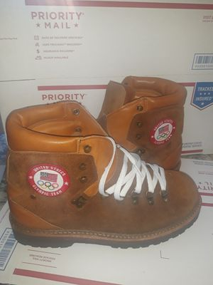 Size 10 Polo Ralph Lauren 2018 Olympic Mountaineering Boots Opening & Closing Ceremony for Sale in Phoenix, AZ