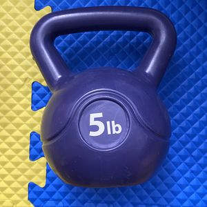 5 pound kettlebell 5lbs for Sale in San Gabriel, CA