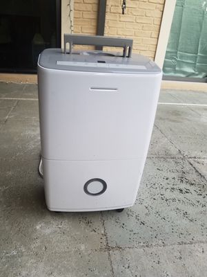 Frigidaire Dehumidifier 70 pints sell brand new for $200 + for Sale in VLG WELLINGTN, FL
