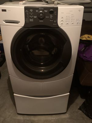 Kenmore Elite Front Load Washer on Pedestal for Sale in Winter Haven, FL