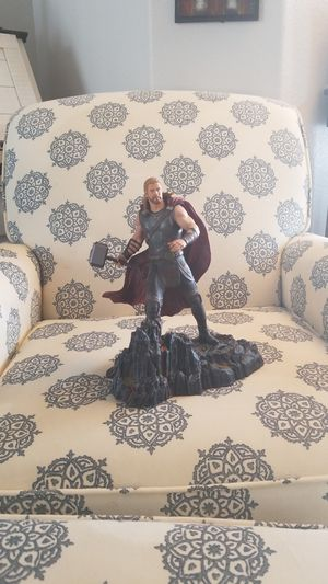 Thor statue 10in tall for Sale in Lutz, FL