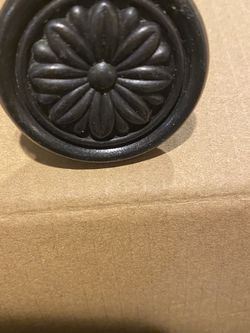 30 Solid Black Metal Drawer Knobs Flower Design for Sale in Orting,  WA