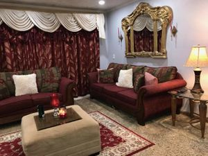 5 PIECES LIVING ROOM SET BURGUNDY COLOR DECORATION for Sale in Pomona, CA