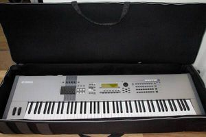 Yamaha MOTIF8 88-Keyboard Music Production Synthesizer for Sale in Norwalk, CA