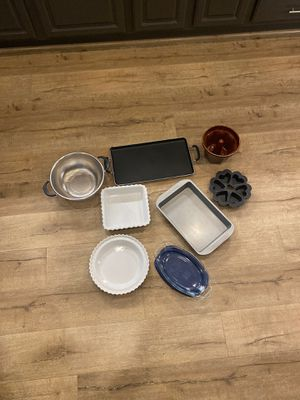 Various kitchen dishes & bakeware $25 for all! for Sale in Alta Loma, CA