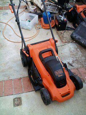 Black n Decker electric lawn mower for Sale in Riverside, CA
