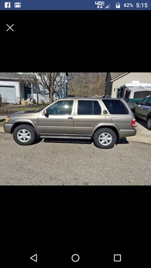2001 Nissan Pathfinder 4 wheel drive for Sale in Newark, OH