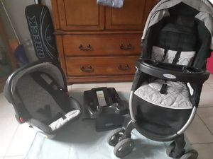 Graco SnugRide 30LX car seat, base and stroller for Sale in Tampa, FL