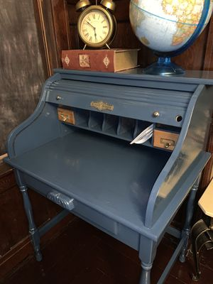 Sunny Designs refurbished antique desk for Sale in Kingsburg, CA