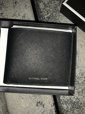 Brand new Michael Kors wallet for Sale in Alexandria, VA