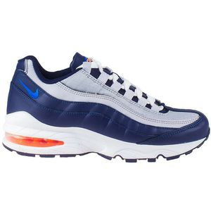 Free Nike Airmax 95 size 3.5Y for Sale in Long Beach, CA