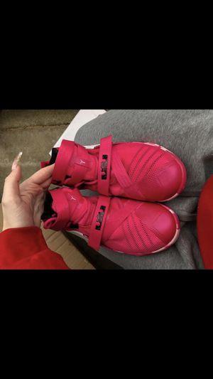 Nike LeBron Basketball Shoes for Sale in Marysville, WA