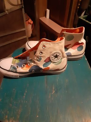 Converse High Tops Sneakers. Womens size 6. Never worn. Paid $25. Make an offer. for Sale in Mesa, AZ
