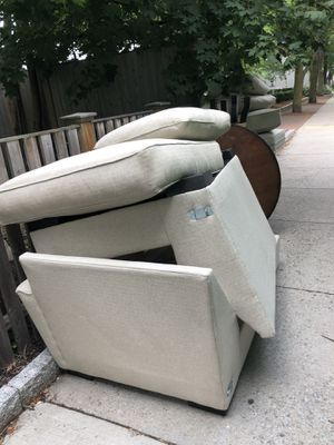 Curb alert: free kitchen table for Sale in Cambridge, MA